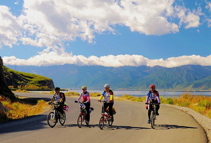 洱海骑行|最美的时光 是并肩同